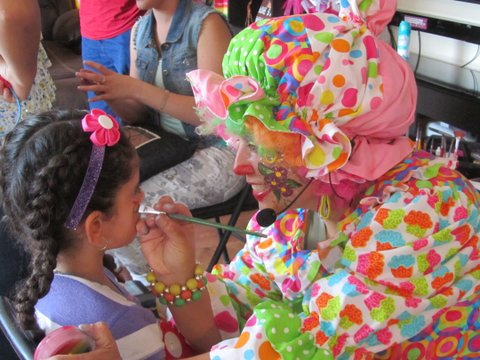 TENCHITA THE CLOWN FACE PAINTING